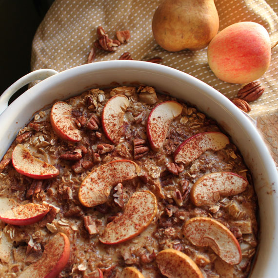 Apple Pear Baked Oatmeal - the perfect autumn breakfast